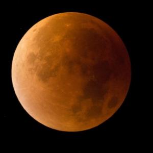 A hét végén jön az évszázad holdfogyatkozása