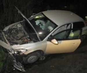 Két személy sérült meg a balesetben
